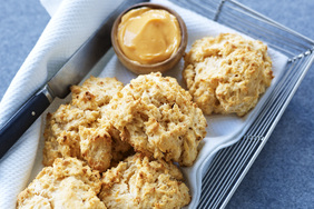 Biscuits suprêmes Chili-CHEEZ WHIZ