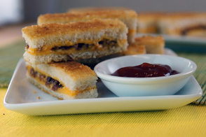 Oven-Baked Bacon-Grilled Cheese Fingers