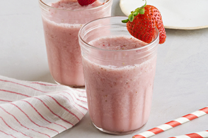 Simple Berry-Peach Smoothie