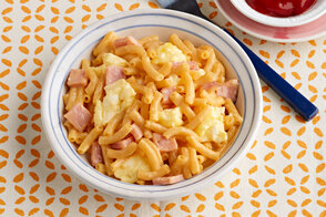 Mac & Cheese Scrambled Egg Cup
