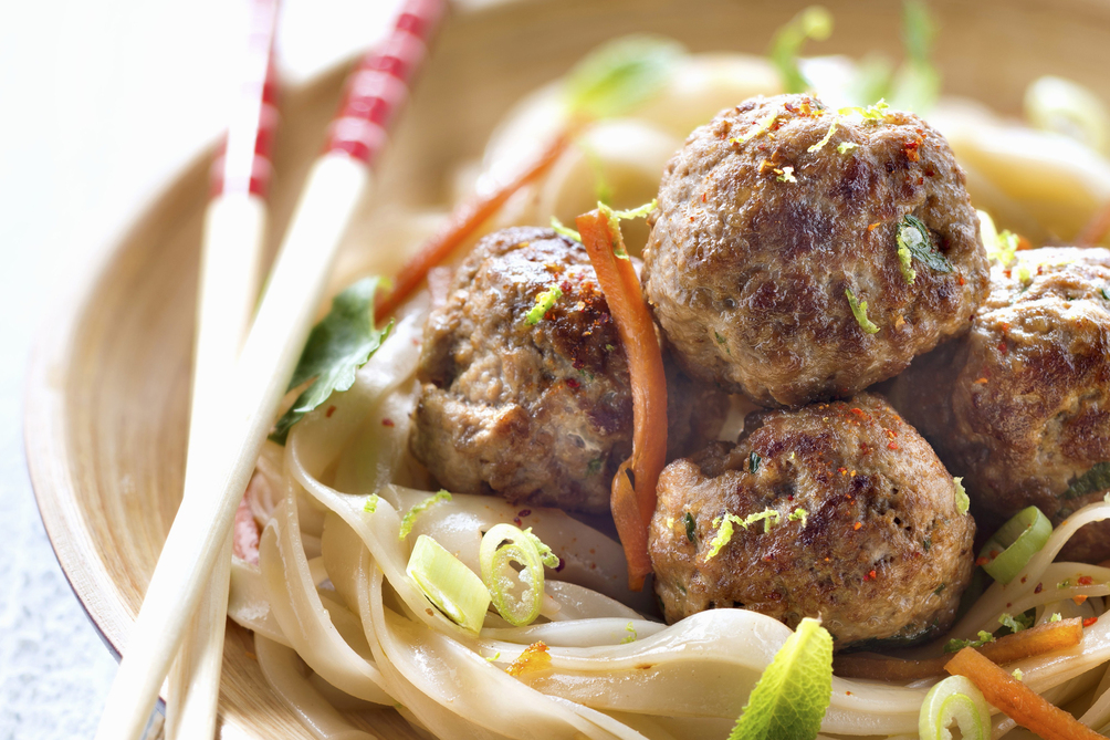 Spicy Sesame Seed-Chicken Meatballs with Noodles