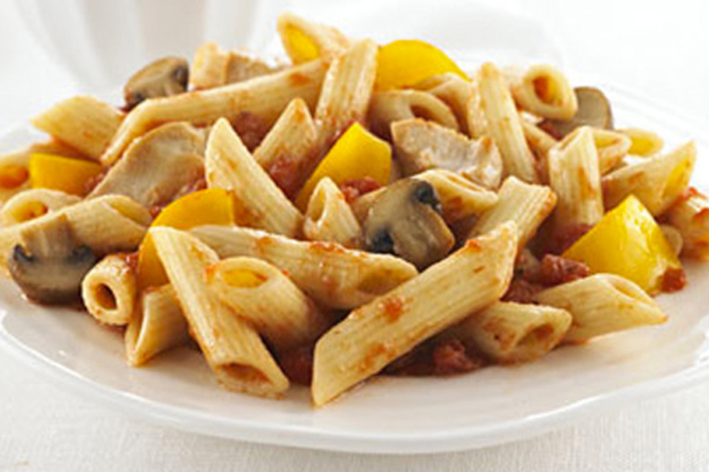 Penne Pasta with Chicken, Peppers and Mushrooms