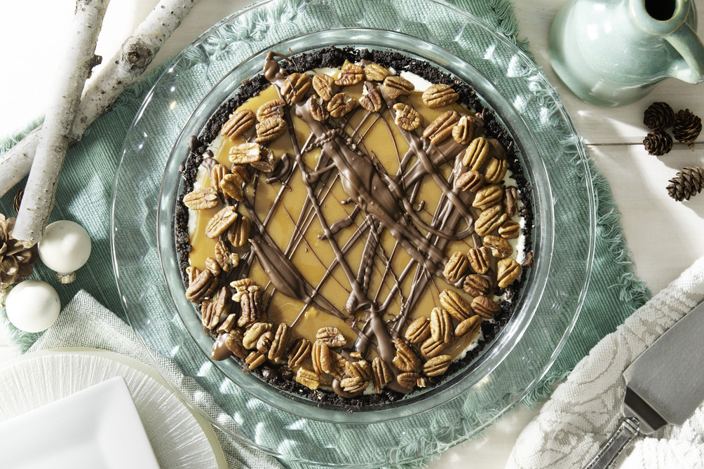 Turtle Cheesecake Pie