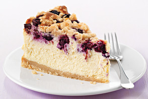 PHILADELPHIA Blueberry-Streusel Cheesecake