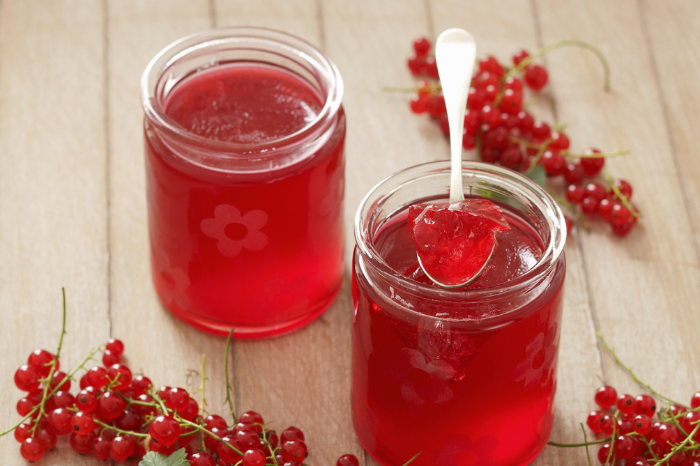 Cooked Light Red Currant Jelly - CERTO Light Crystals