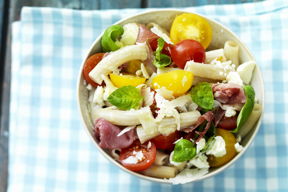 Pasta Salad with Ham and Tomatoes