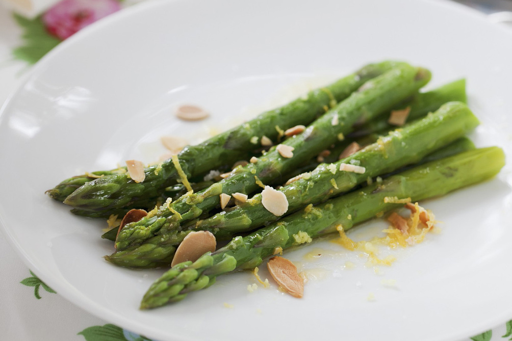 Citrus-Asparagus with Toasted Almonds