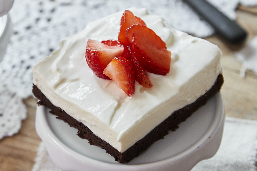 Brownie Cheesecake and Strawberries