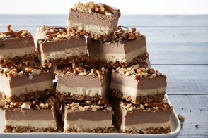 Candy Bar-Cheesecake Bars